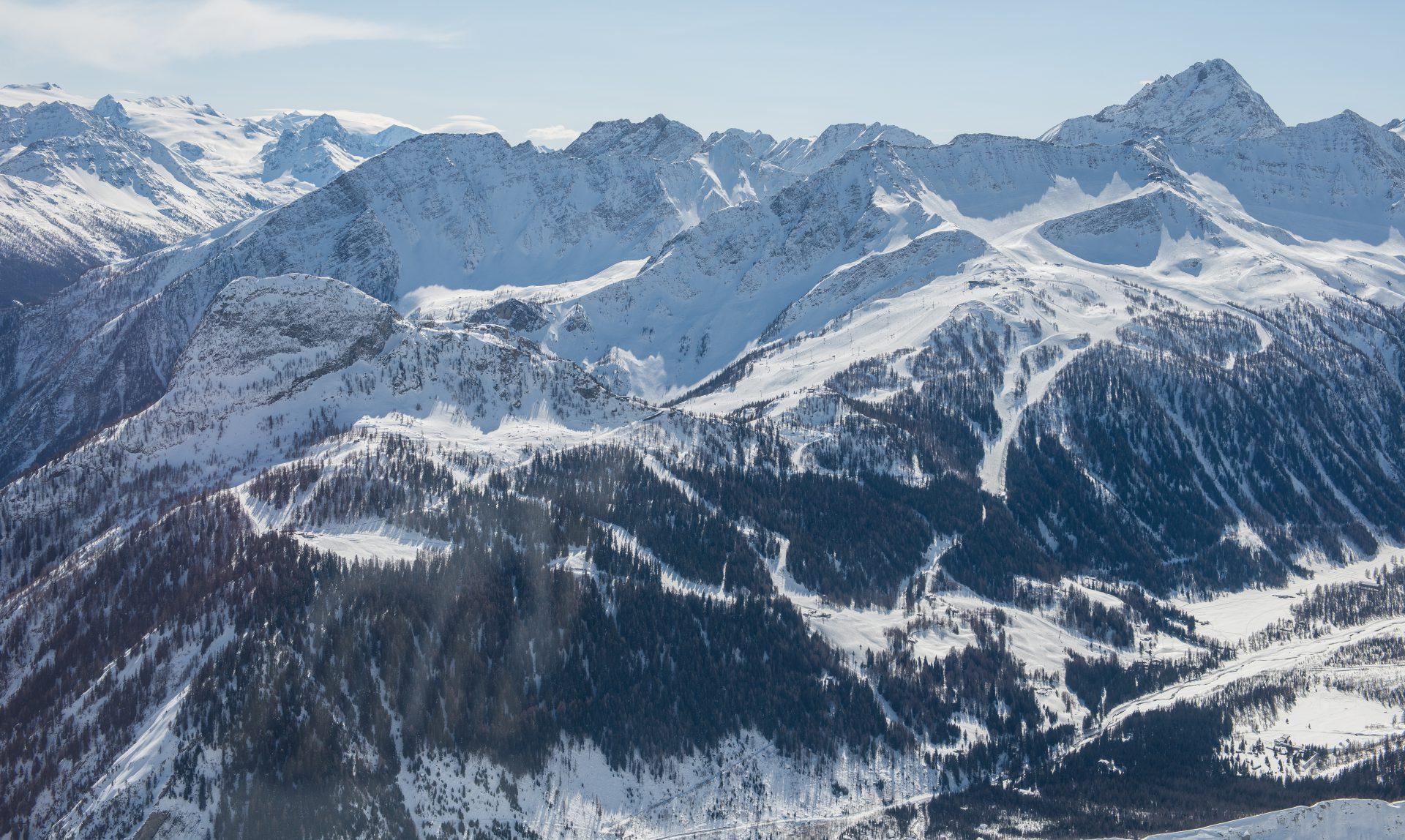 Val d'Aoste et Tarentaise depuis le Skyway à Courmayeur / Photo Raymond Marcelli