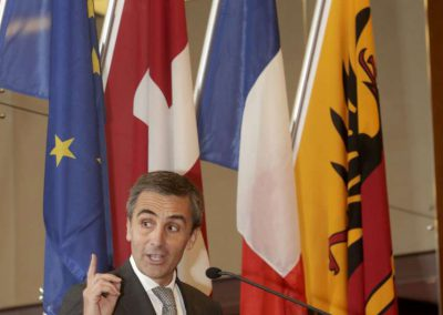 François Longchamp à la tribune